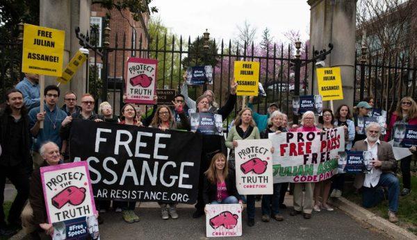 UN official visits Julian Assange, investigating Ecuador's illegal surveillance