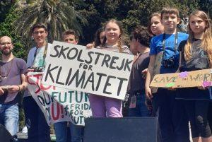 """Greta a Roma, in migliaia per la paladina del clima: """"Stiamo cambiando il mondo"""""""