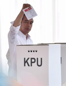 Elecciones en Indonesia: «Jokowi» vence y es reelecto