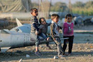 Cerca de medio millón de niños corren peligro de muerte en Trípoli