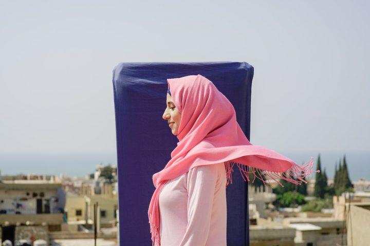Tatreez design. Un brand sociale, un campo profughi in Libano, 75 donne palestinesi: storia di un futuro possibile