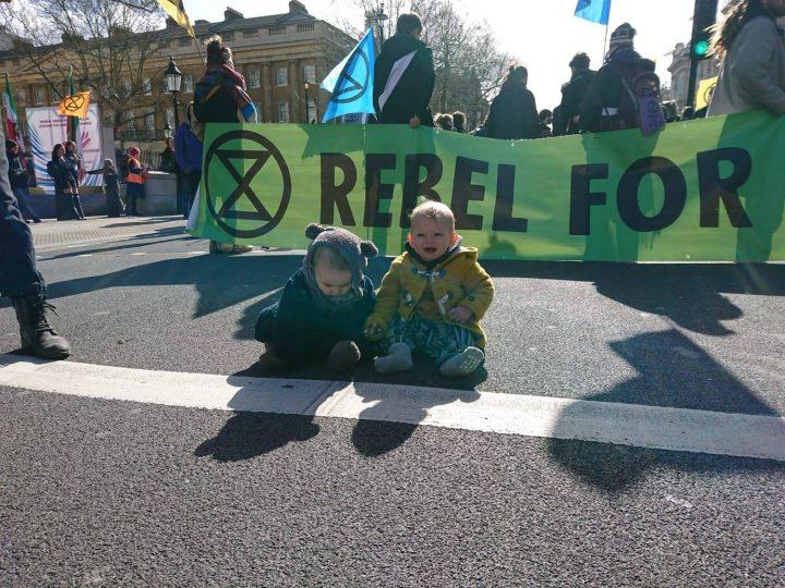 Extinction Rebellion, la disubbidienza civile nonviolenta come unica via per uscire dalla crisi ambientale