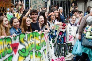 Centenas de milhares protestam contra mudanças climáticas pelo mundo