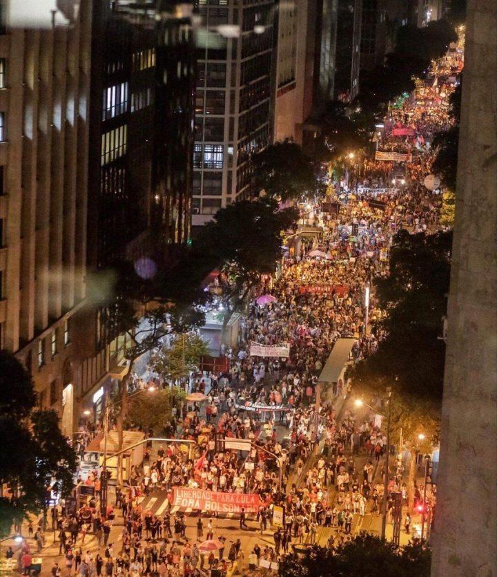 Manifestanti-Brasile