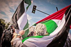 A Suécia é o primeiro país da UE a reconhecer a Palestina como um estado independente