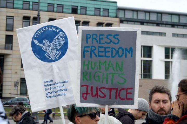 Wir_alle_sind_Julian_Assange3