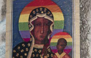Beata Madonna della Libertà di Espressione proteggi Elżbieta Podleśna dalla repressione