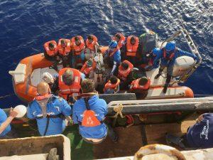 Los barcos de las ONG regresan para salvar vidas en el Mediterráneo