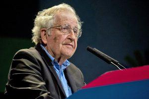 Chomsky denuncia militarización de territorio zapatista