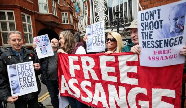 US issues formal request for Assange's extradition