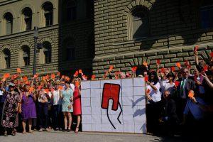 Korrektur-Initiative mit mehr als 134 000 Unterschriften eingereicht