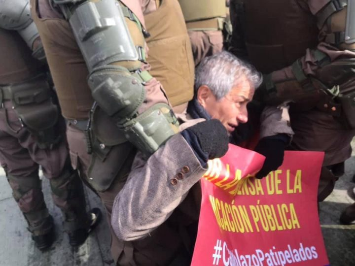 Chile: [President of Teachers Union] Mario Aguilar and 38 other teachers demonstrating peacefully arrested