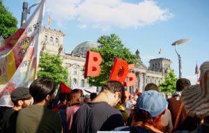 Protesta contro la mozione anti-BDS del Parlamento tedesco
