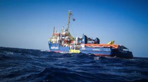 Sea Watch ignora el bloqueo y entra en aguas italianas