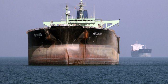 La Cina sfida le sanzioni statunitensi e riceve le spedizioni di petrolio iraniano