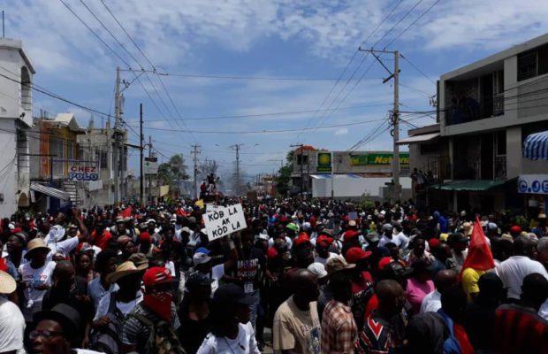 HAITÍ: ¿Quiénes y por qué sostienen al impopular gobierno haitiano?