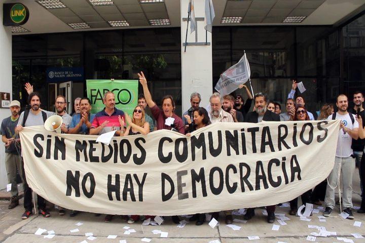 Senza media comunitari non c'è democrazia