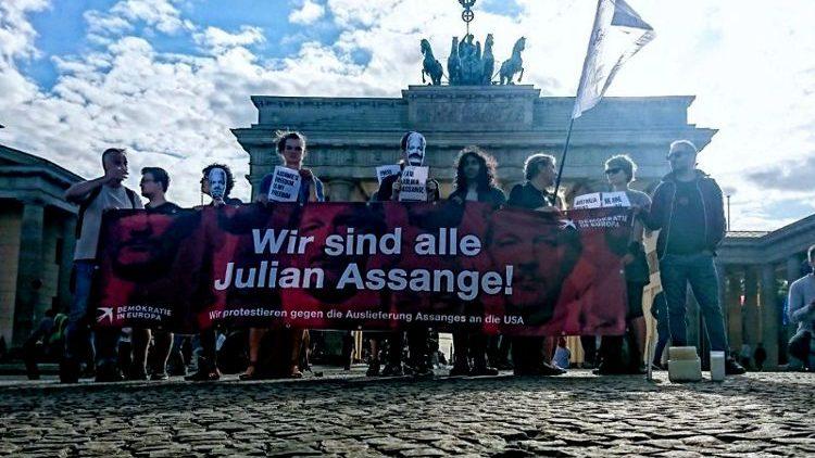 Aufruf_für_eine_weltweite_Kampagne_gegen_die_Auslieferung_von_Julian_Assange
