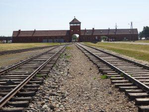Άουσβιτς: ένας τόπος μνήμης που πρέπει κάθε άνθρωπος να επισκεφθεί
