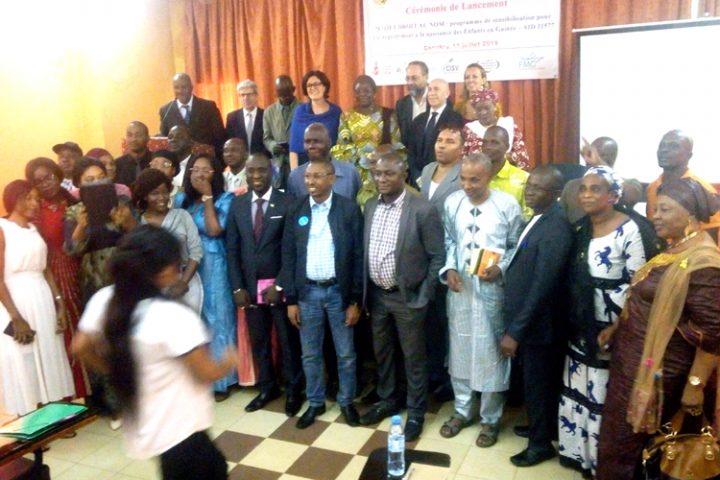 Enregistrement à la naissance des enfants en Guinée : 3 ONG en consortium lancent un projet de sensibilisation à Conakry