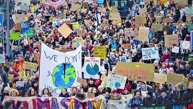 Die Industrielobby nimmt die Klimaschutzbewegung ins Visier und was dagegen zu tun ist
