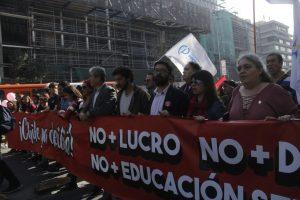 Educación: deponer y continuar el paro en Chile