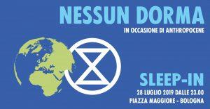 """Bologna, azione """"Nessun Dorma"""" per l'emergenza climatica"""