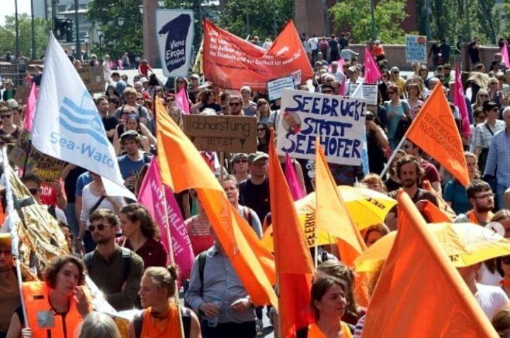 Knapp 1 Millionen Euro gesammelt: das solidarische Deutschland steht auf – #freeCarola