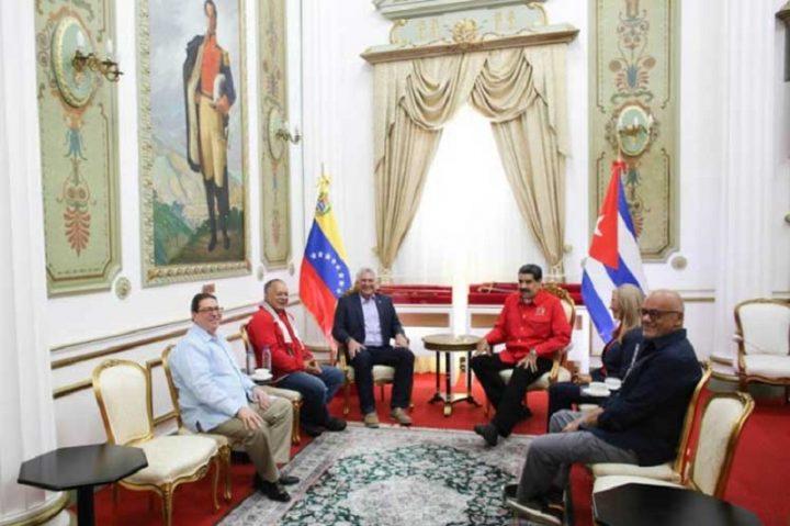 Presidente de Venezuela recibe a su par cubano Miguel Díaz-Canel