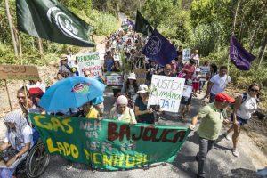 Los activistas medioambientales ocupan tierras en Portugal para impedir la explotación de gas fósil