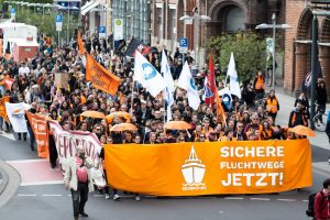 Manifestazioni in cento città tedesche per aprire i porti