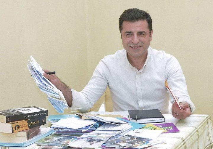Turchia: la resistenza ironica di Selahattin Demirtas