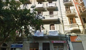 Barcelona surt al carrer reclamant el dret a l'habitatge