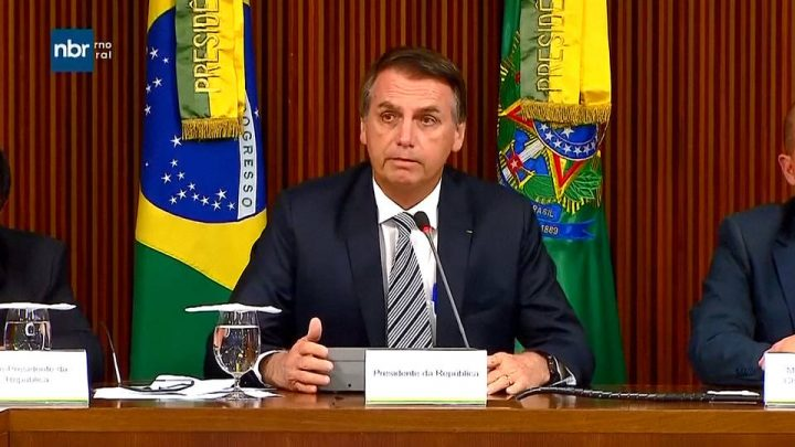 El presidente brasileño, Jair Bolsonaro, amenaza a Glenn Greenwald con encarcelamiento