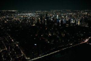 Así fue el apagón que dejó a miles de personas sin luz en Nueva York
