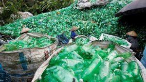 Crean método para convertir plástico no reciclable en energía