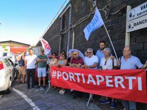 Migranti della Gregoretti: fateli scendere subito!