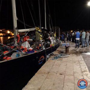 Sbarcati a Lampedusa i naufraghi salvati dal veliero Alex. L'Alan Kurdi verso Malta
