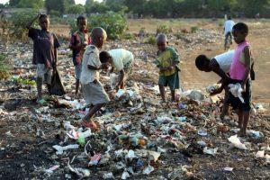 Banco Mundial necesita entender la pobreza y lo que cuesta vivir a una familia