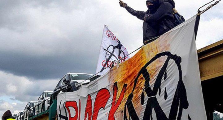 Blockade von VW-Fabrik durch Klimagerechtigkeitsbewegung