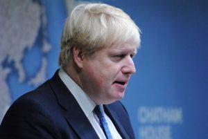 Boris Johnson chiede alla regina di sospendere il Parlamento