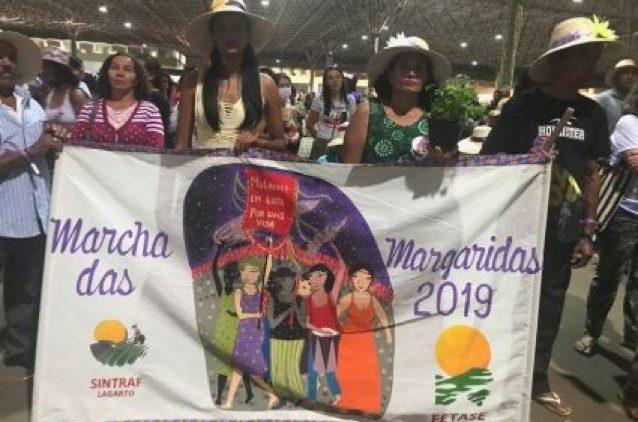 Indigener Frauenmarsch in Brasilien als Widerstand gegen die repressive Politik Bolsonaros