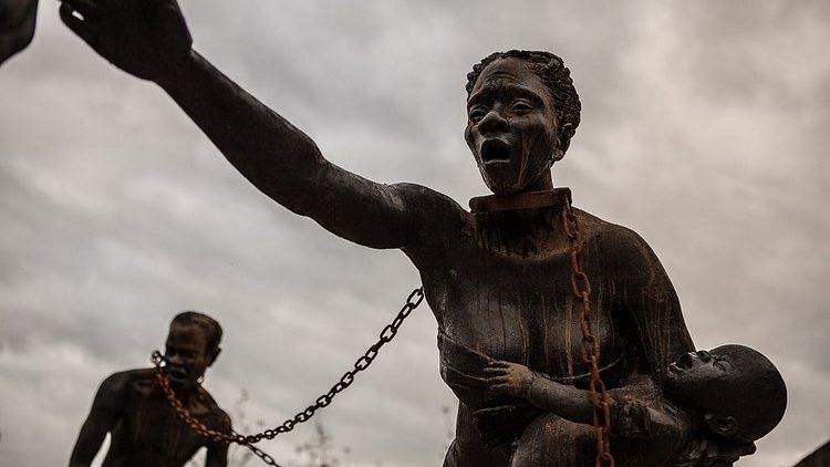 Ghana: escultura para no olvidar el comercio de esclavos
