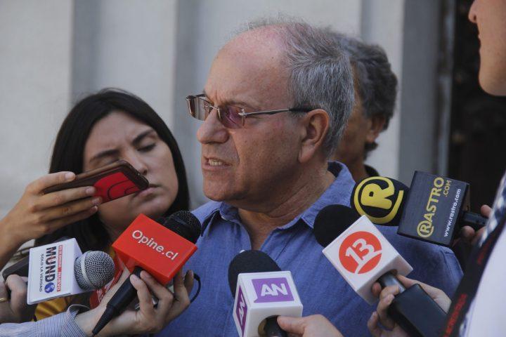 """Diputado Hirsch pide a Piñera """"dejar de culpar a los inmigrantes"""" por desempleo"""