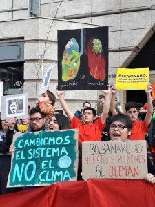 Santiago de Chile: Protestas frente a la embajada de Brasil por los incendios de la Amazonia