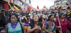 Brasile: la marcia delle donne indigene