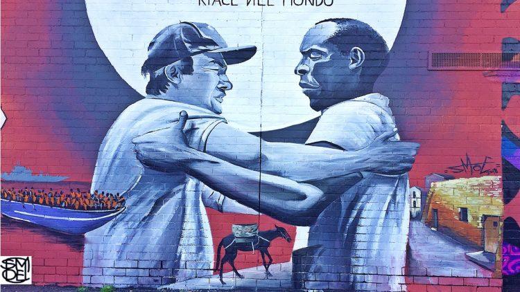 """""""Riace nel Mondo"""": Murales realizzato a Melbourne dallo street artist SMOE"""