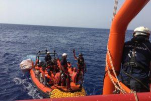 Migranti, notificato divieto di ingresso in Italia a Ocean Viking