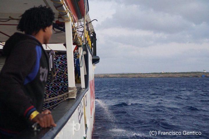 Open Arms: che la Spagna e l'Italia si assumano finalmente la responsabilità di fornire assistenza e un porto sicuro alle 107 persone a bordo della nostra nave