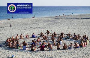 Caulonia (RC): la noviolencia y su símbolo ante la II Marcha Mundial por la Paz y la Noviolencia